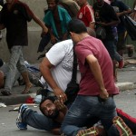 """Polícia Civil prende usuários e atira balas de borracha e bombas na """"cracolândia"""" em SP"""