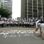 Ato em SP relembra um ano do desaparecimento dos 43 estudantes de Ayotzinapa, no México