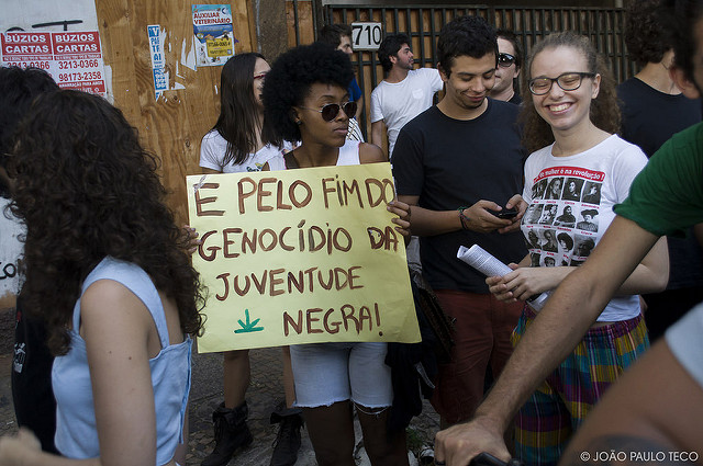 A guerra às drogas é contra as pretas e pretos da periferia. A maconha já está legalizada há muito tempo. Crédito: João Paulo Teco