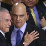 Brasília - O presidente interino Michel Temer durante cerimônia de posse aos ministros de seu governo, no Palácio do Planalto (Valter Campanato/Agência Brasill)