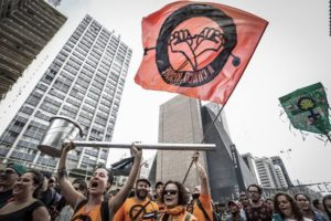 A Craco Resiste também marcou presença na Marcha da Maconha SP. Crédito: Alice Vergueiro