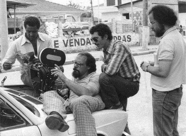 O diretor Carlos Reichenbach filma na Boca do Lixo.